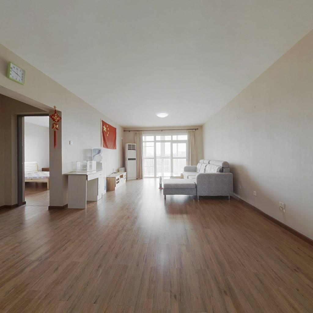 此房满二 南北通透 看房方便 三居室