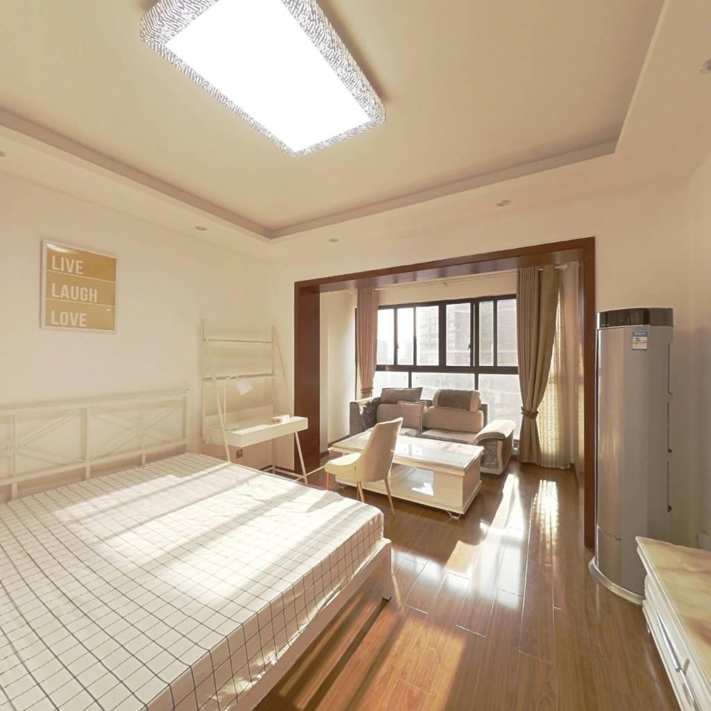合租·中德英伦联邦B区 4室1厅 西卧室图