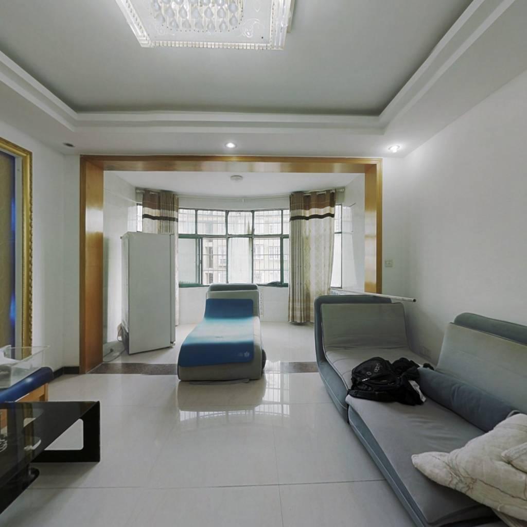澄湖边复式大5房,户型通透,精装修,可直接入住。