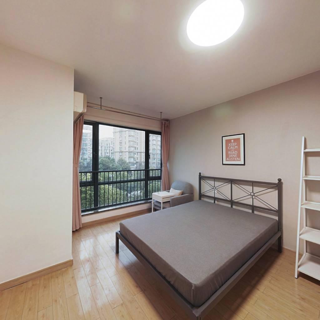合租·万科光明城市东苑 4室1厅 北卧室图