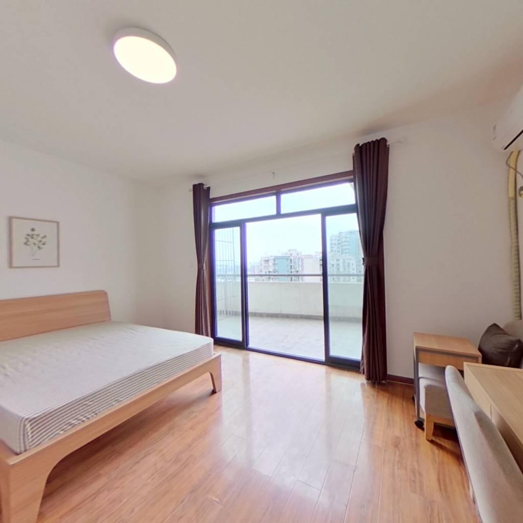 合租·凯丽滨江花园 5室1厅 东南卧室图