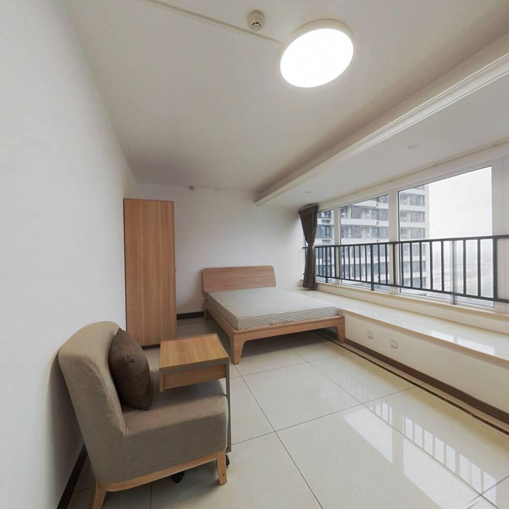 合租·万科未来城三期梦溪里 5室1厅 北卧室图