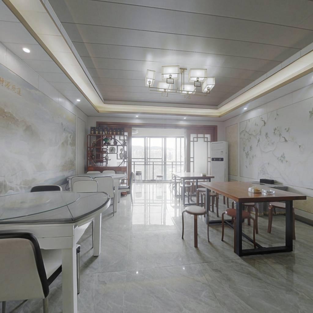 龙湾国际御府 7室1厅 南 北