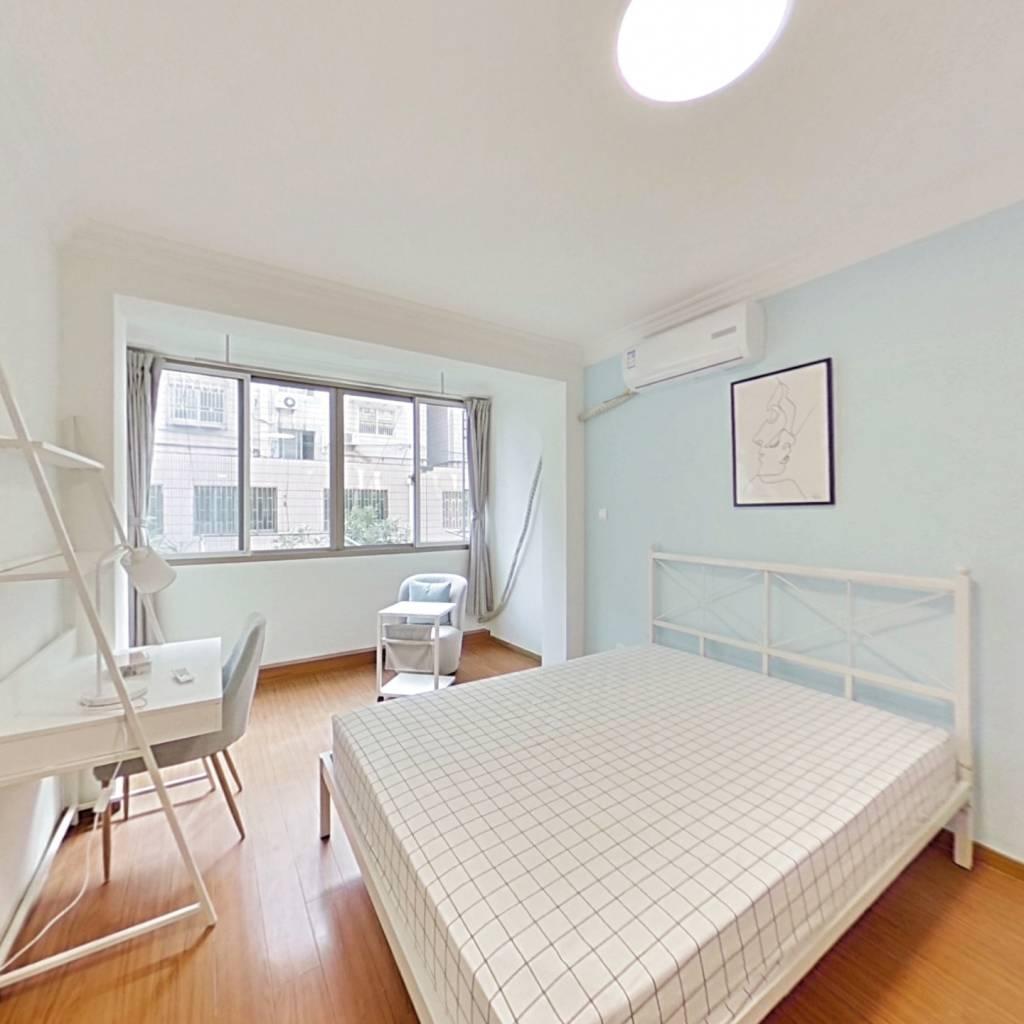 合租·华严路58弄 3室1厅 南卧室图