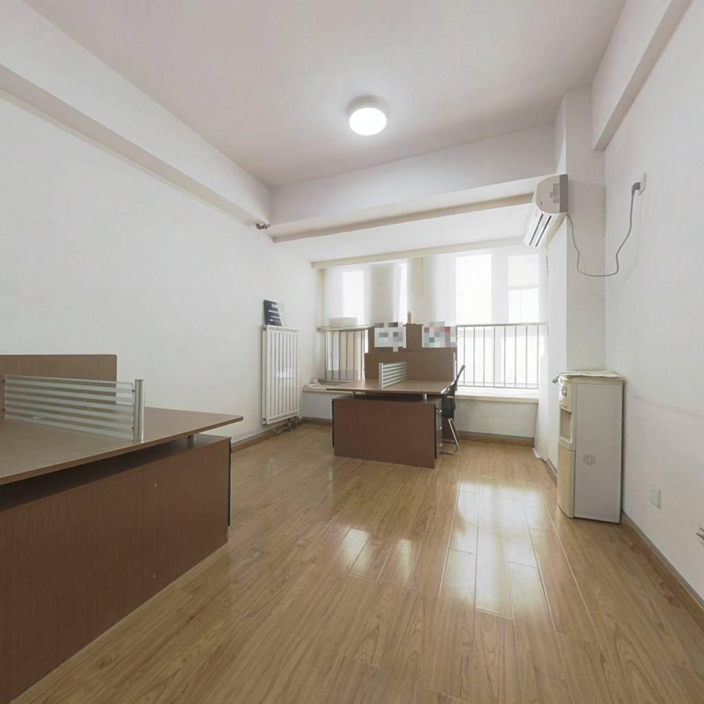 公寓1-1-0-1经典南向房源