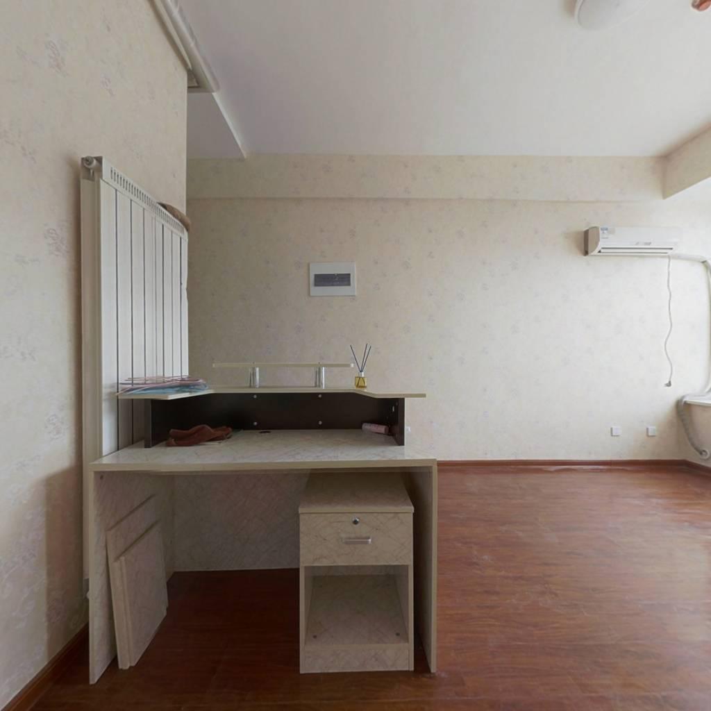三庆精装公寓 可以托管 可以自主 交通方便
