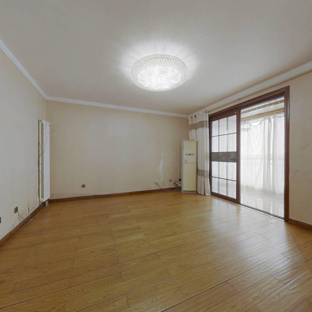 美华世纪新筑,  三室精装修,户型方正
