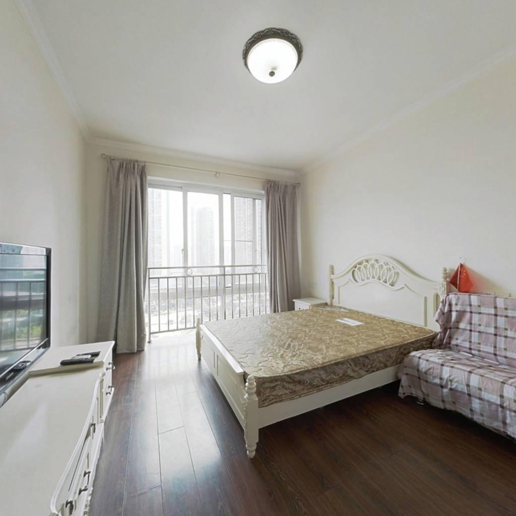 正规一室, 交通方便, 业主诚心卖 。