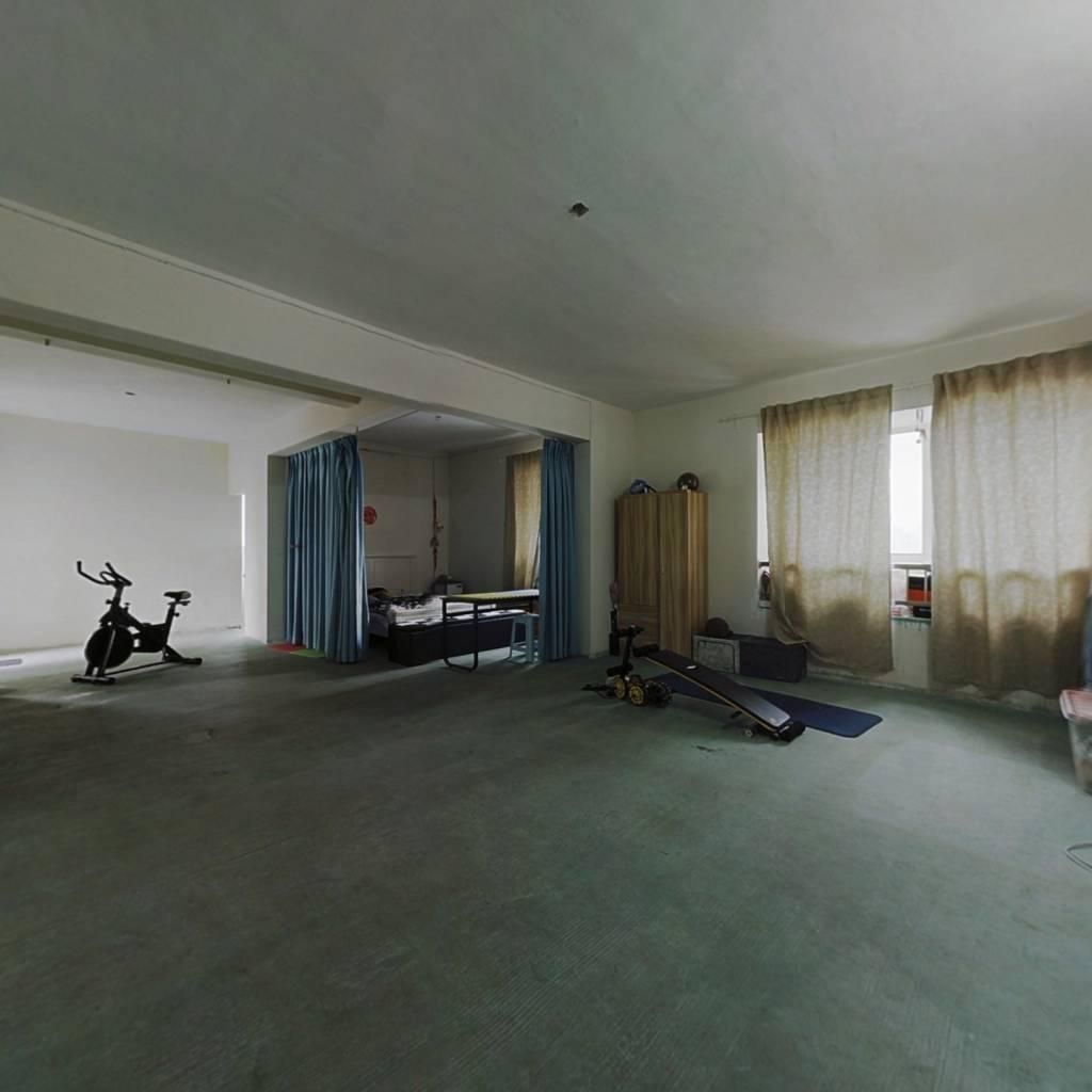 东湖春树里纯毛坯两居室,中间楼层采光视野好