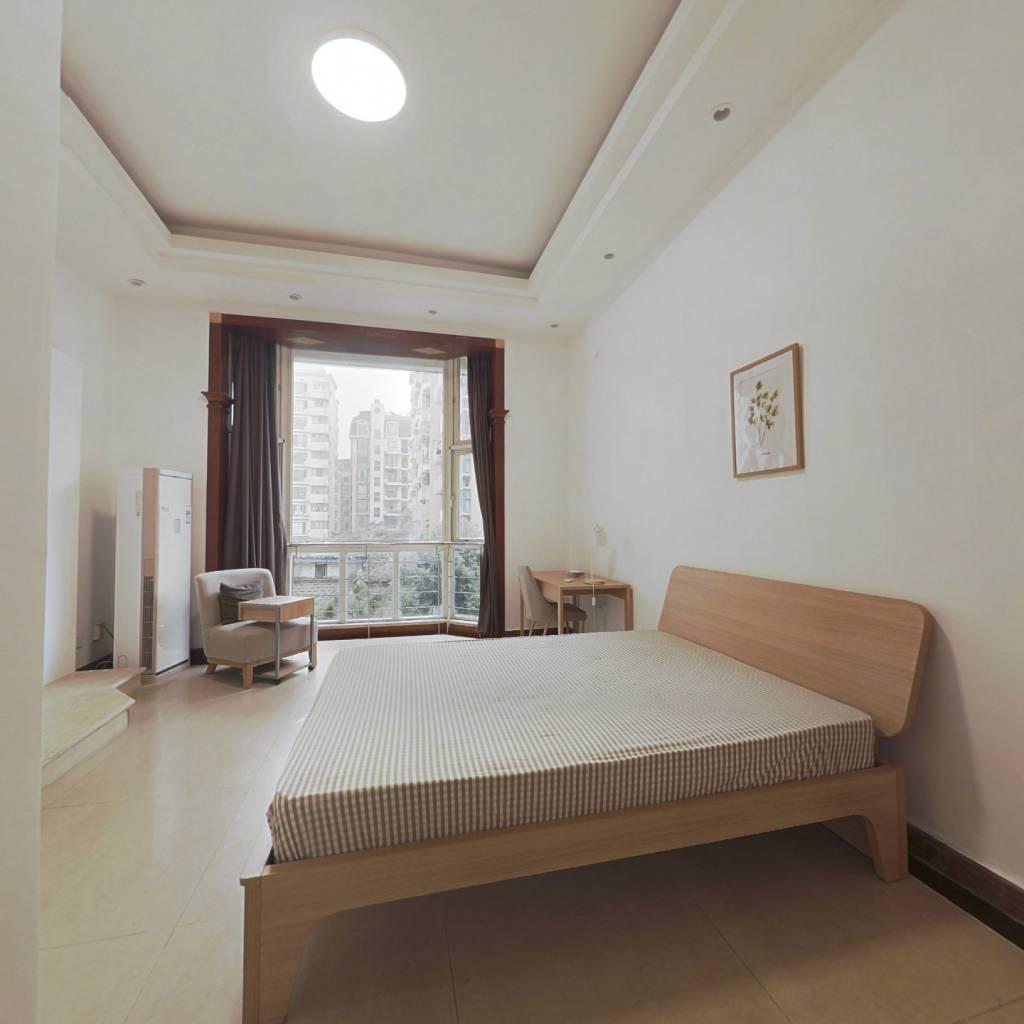 合租·丽景华庭一期 4室1厅 东卧室图