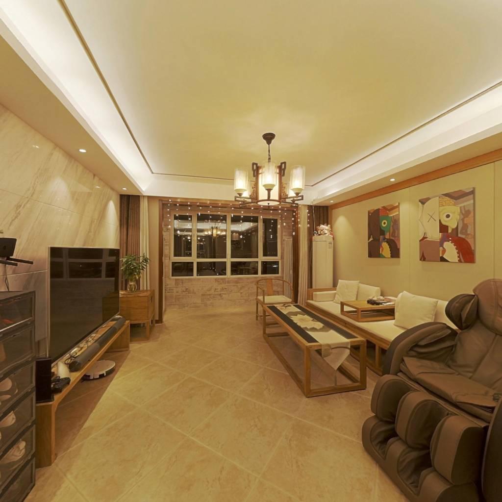此房满两年,通透格局,视野宽阔,采光充足,配套齐全