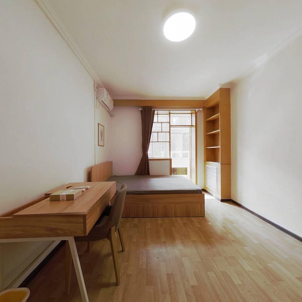 正规南向两居室,房子精装修,楼层合适