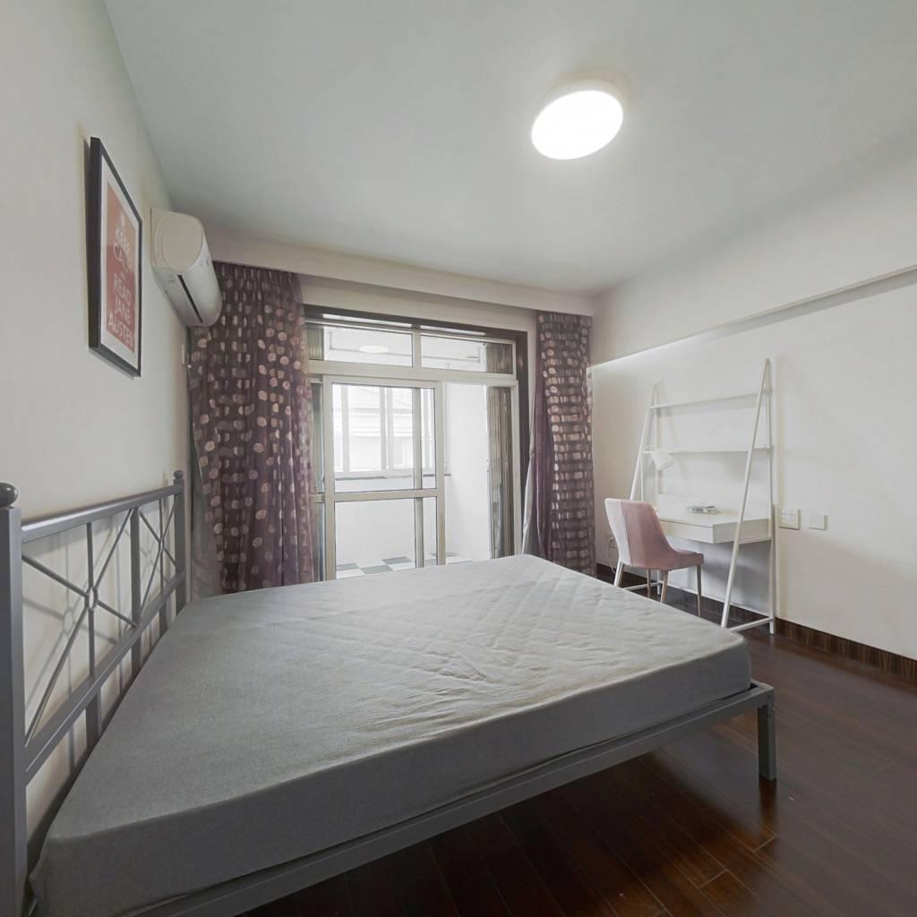 合租·金桥花苑 4室1厅 西卧室图