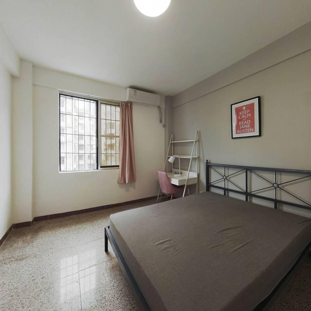 合租·六运小区 4室1厅 西卧室图