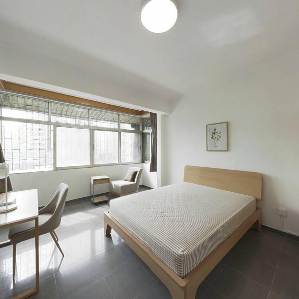 合租·华丽西村 4室1厅 南卧室图