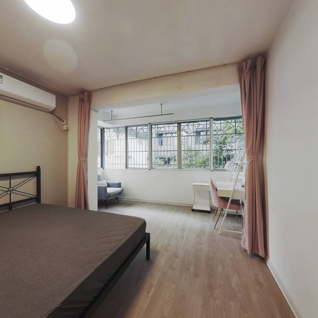 合租·康新花园 4室1厅 南卧室图
