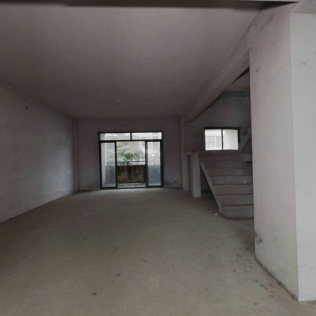 江南区碧园南城故事,大四房楼中楼,两个大露台,毛坯