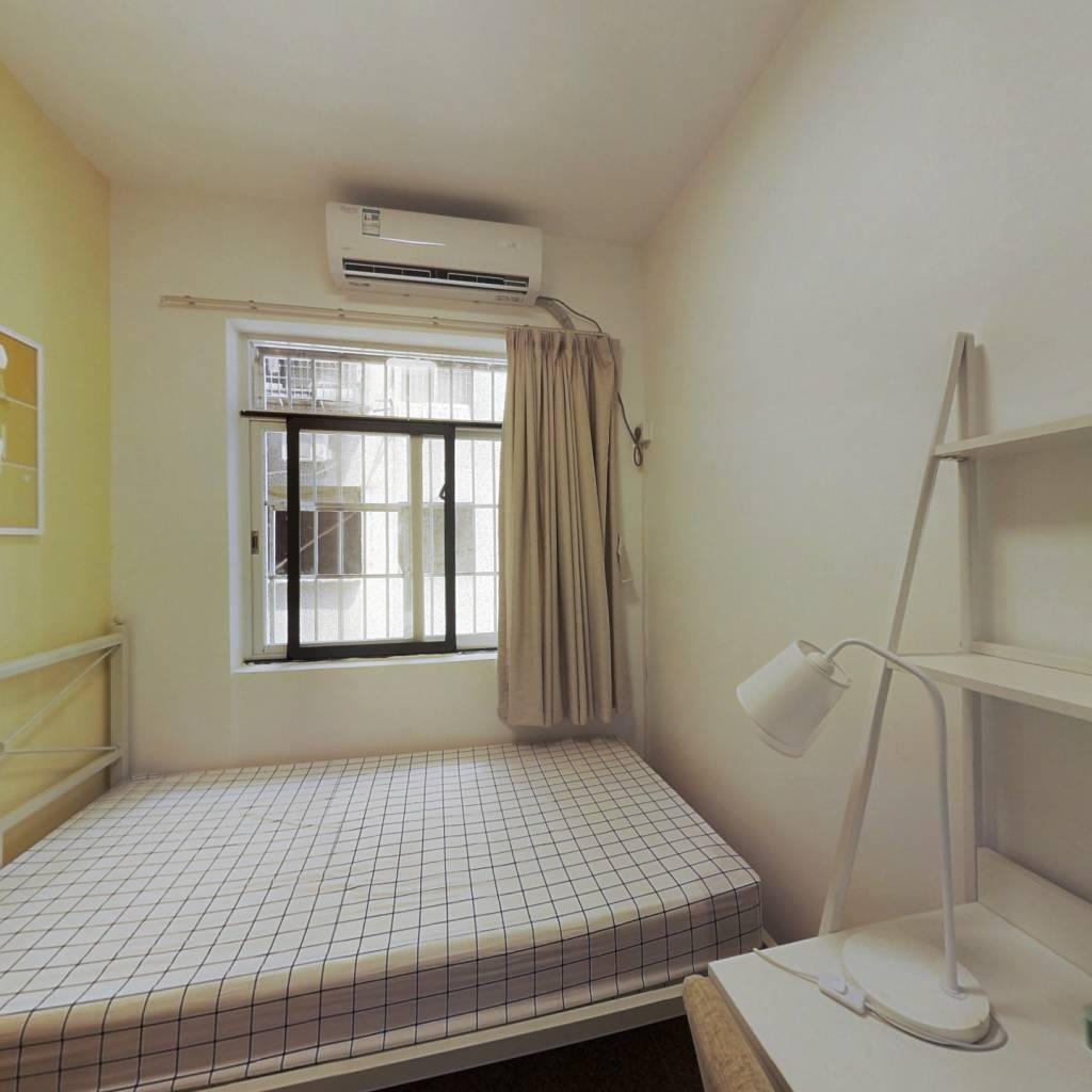 合租·聚德花园 3室1厅 东北卧室图