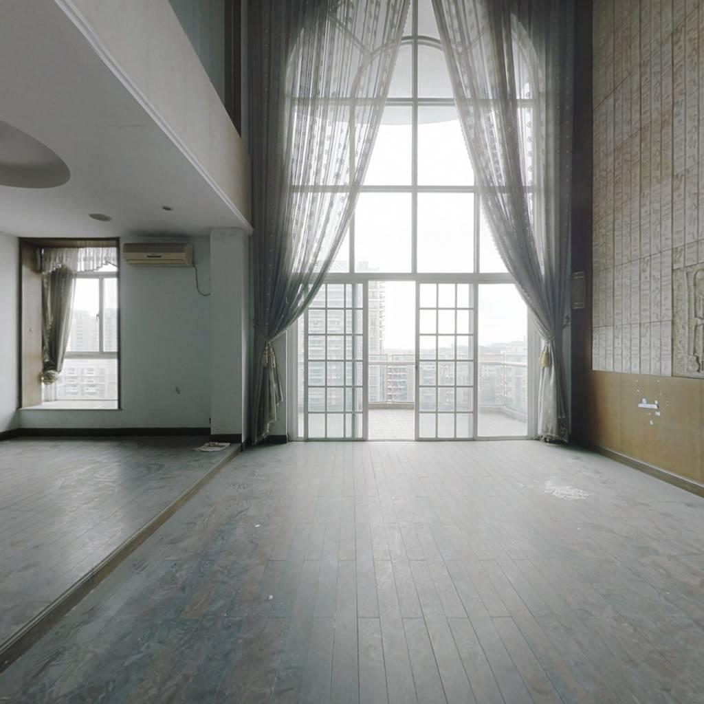 黄岐名雅花园 电梯顶楼复式 带平台花园