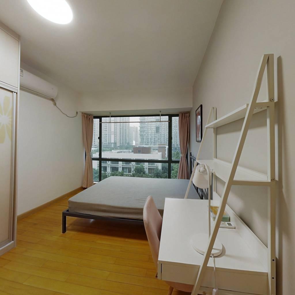 合租·漾晴居 4室1厅 南卧室图