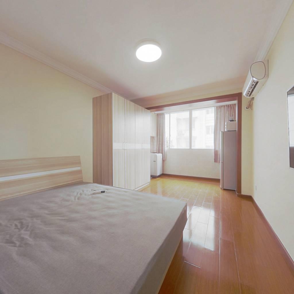 整租·番南小区 1室1厅 南卧室图
