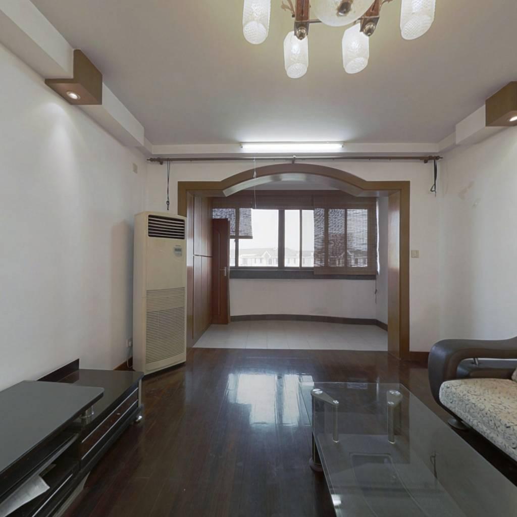 满五;正宗复式;空间大;居住舒适;带阳光房、露台