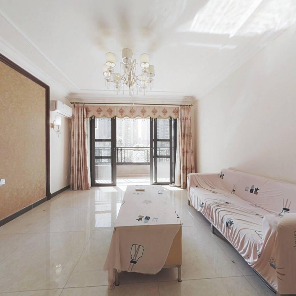 凤岗 低楼层带装修三房两厅  业主诚心出售