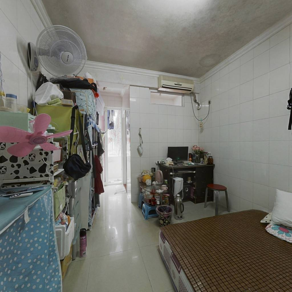 此房总价低费用少,地段好,配套完善,生活方便