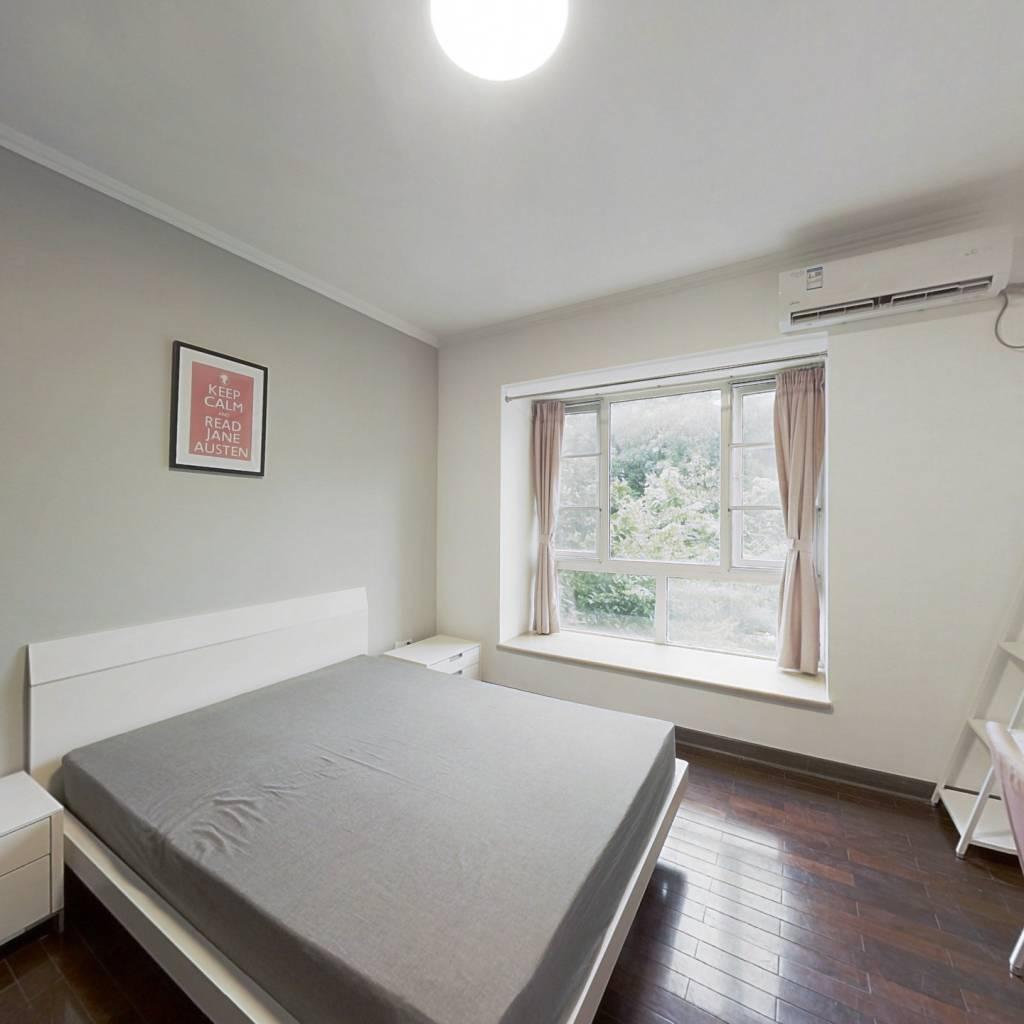 合租·南国奥林匹克花园 4室1厅 东南卧室图