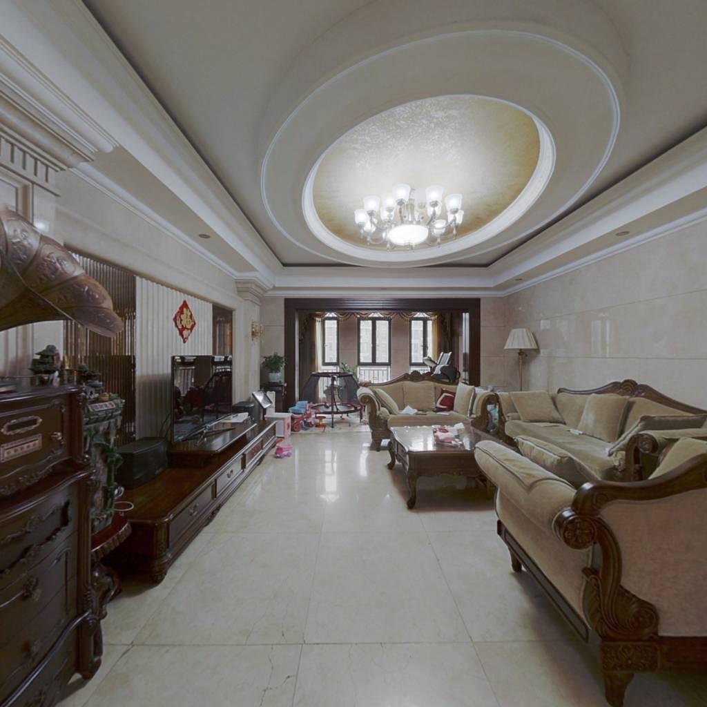 大平层,七房两厅五卫,带空调 ,带地暖,诚心出售