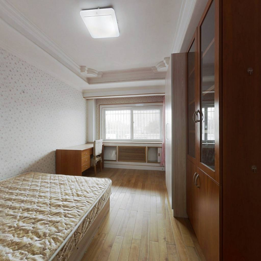 榆苑公寓三居室,南北通透三居室,有露台