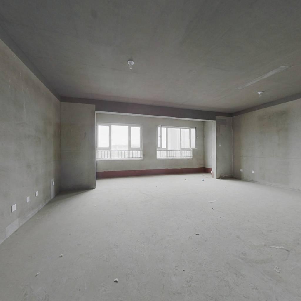 翰林庄园 206平五居室 南北双阳台 环境优美 适宜居住