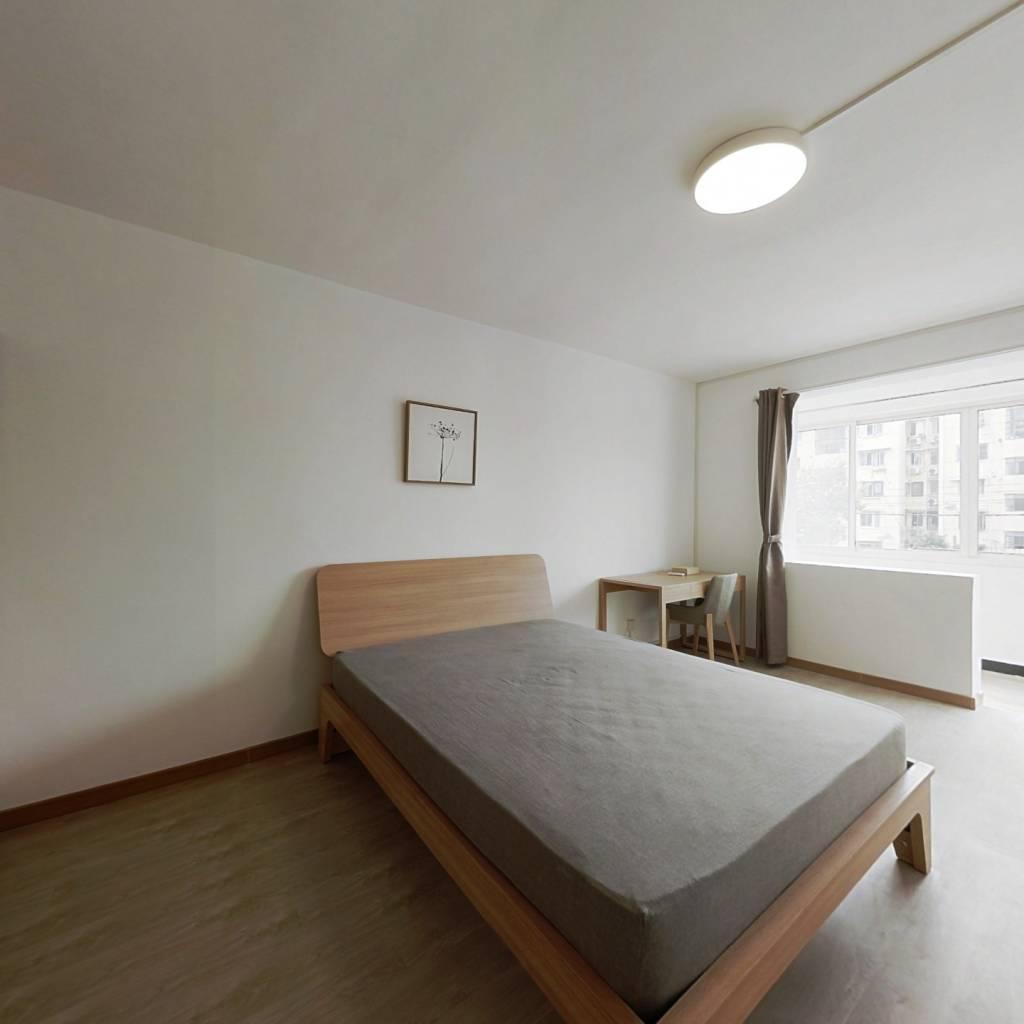 整租·华松西区(仙霞西路700弄) 2室1厅 南卧室图