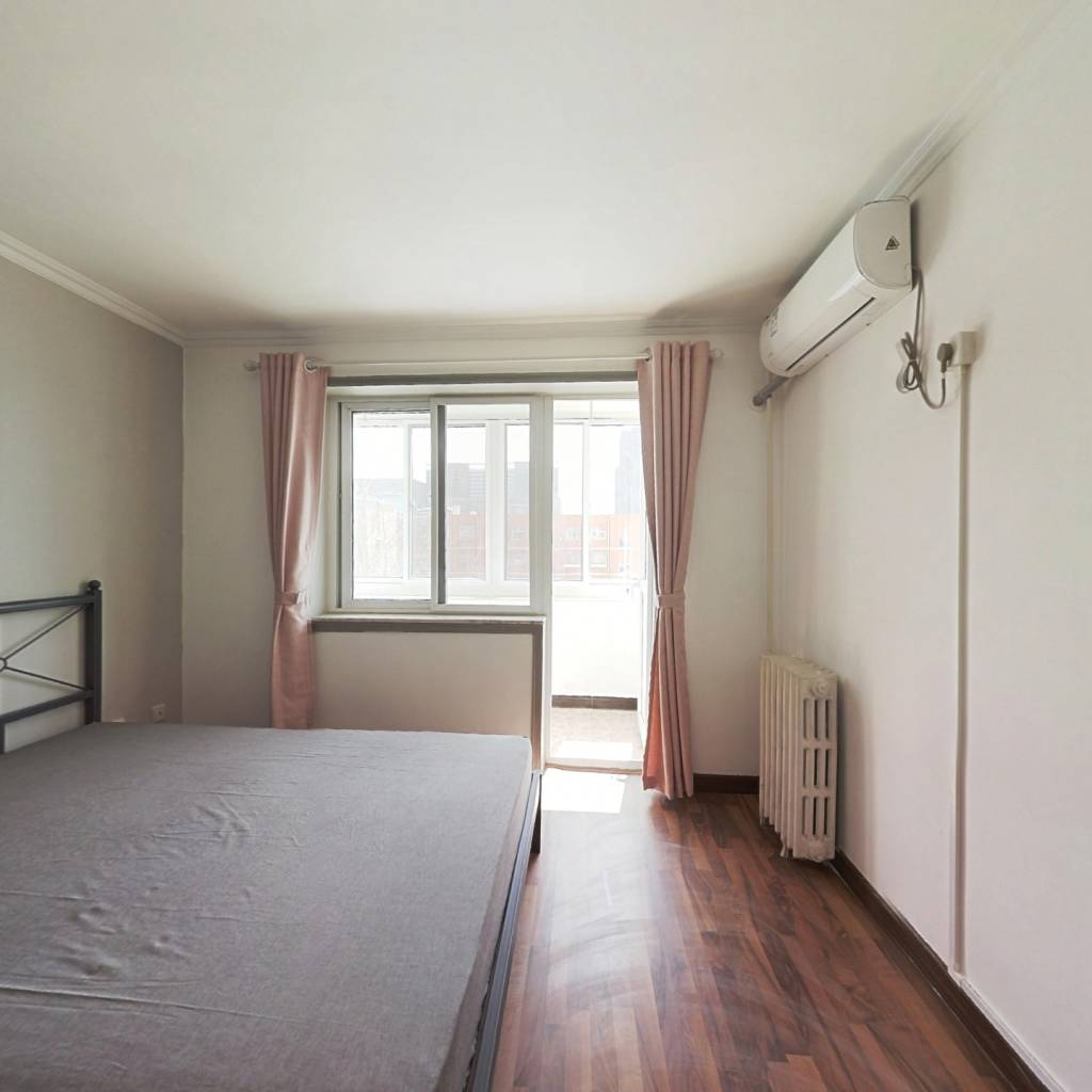 合租·南环里 3室1厅 北卧室图
