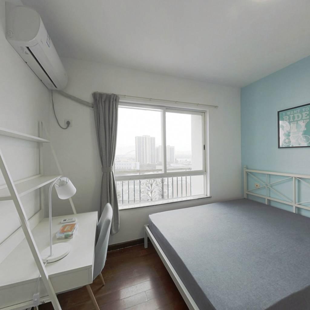 合租·保利花园 4室1厅 西卧室图