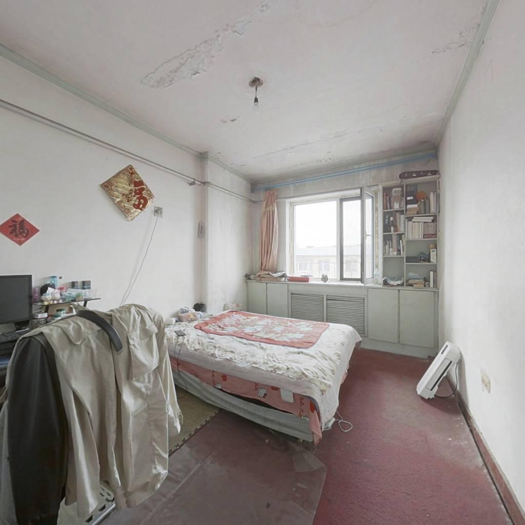 10多万的2室小房,随意装修。