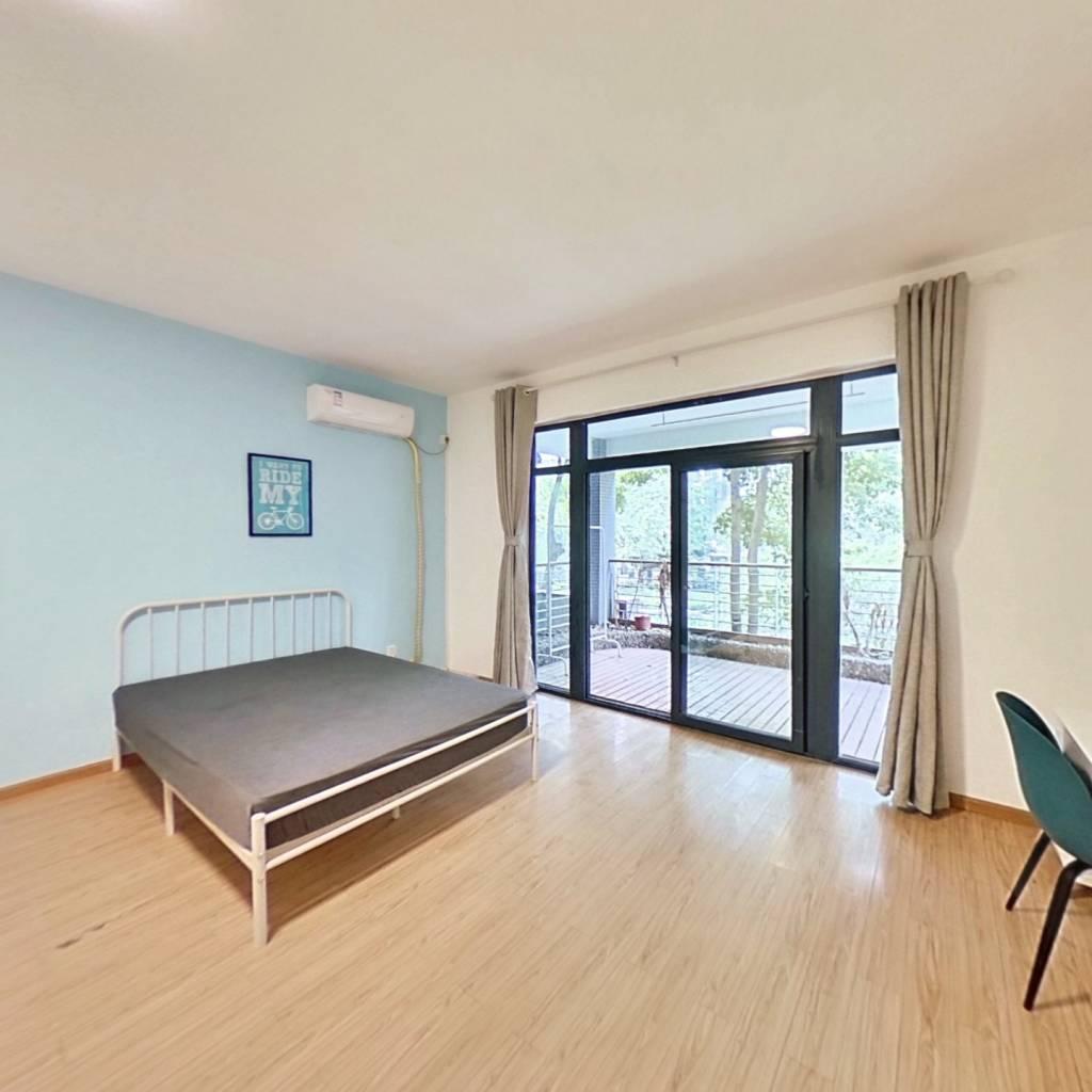 合租·融城理想 5室1厅 南卧室图