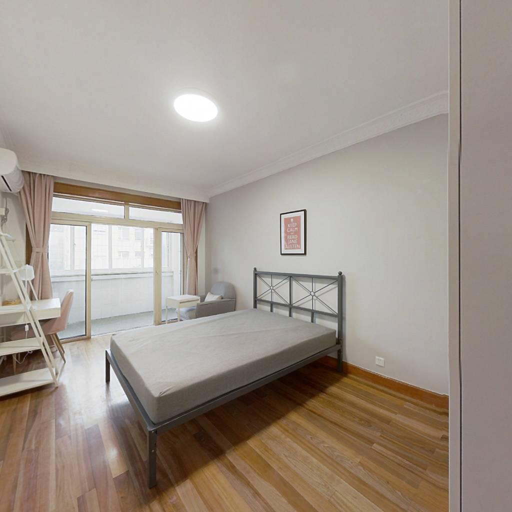 合租·鼎盛公寓 3室1厅 南卧室图