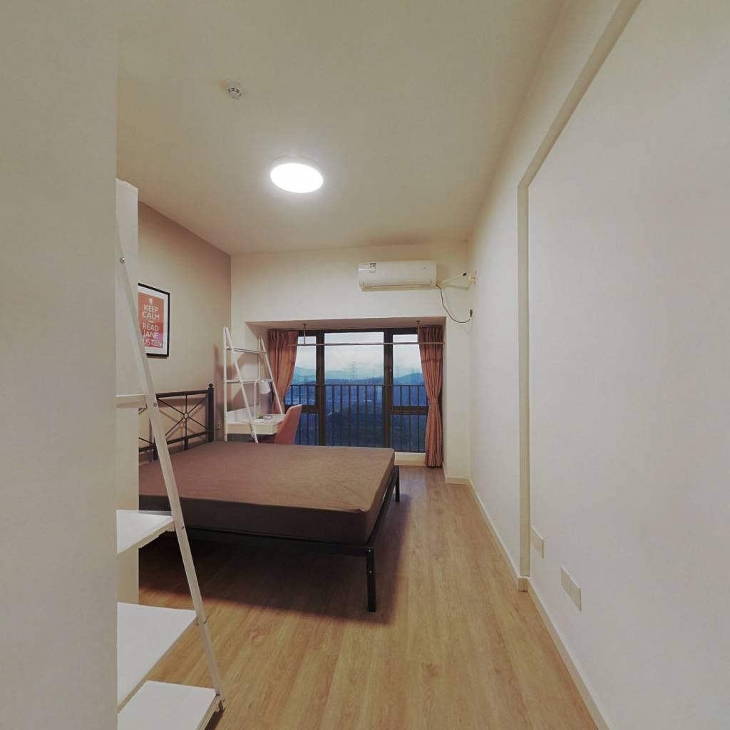 合租·锦荟PARK 4室1厅 东卧室图