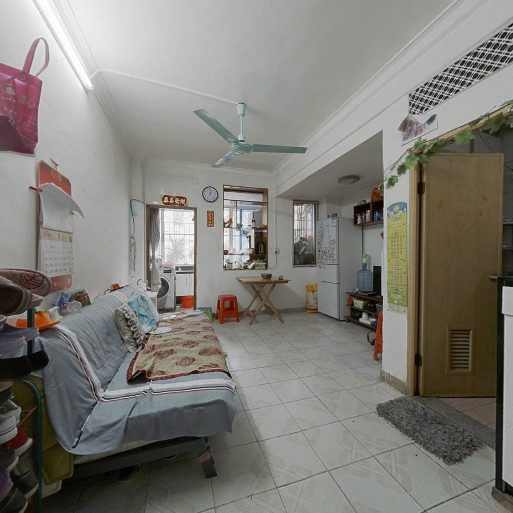 此房产权清晰,两房南向,私密性高,使用率高