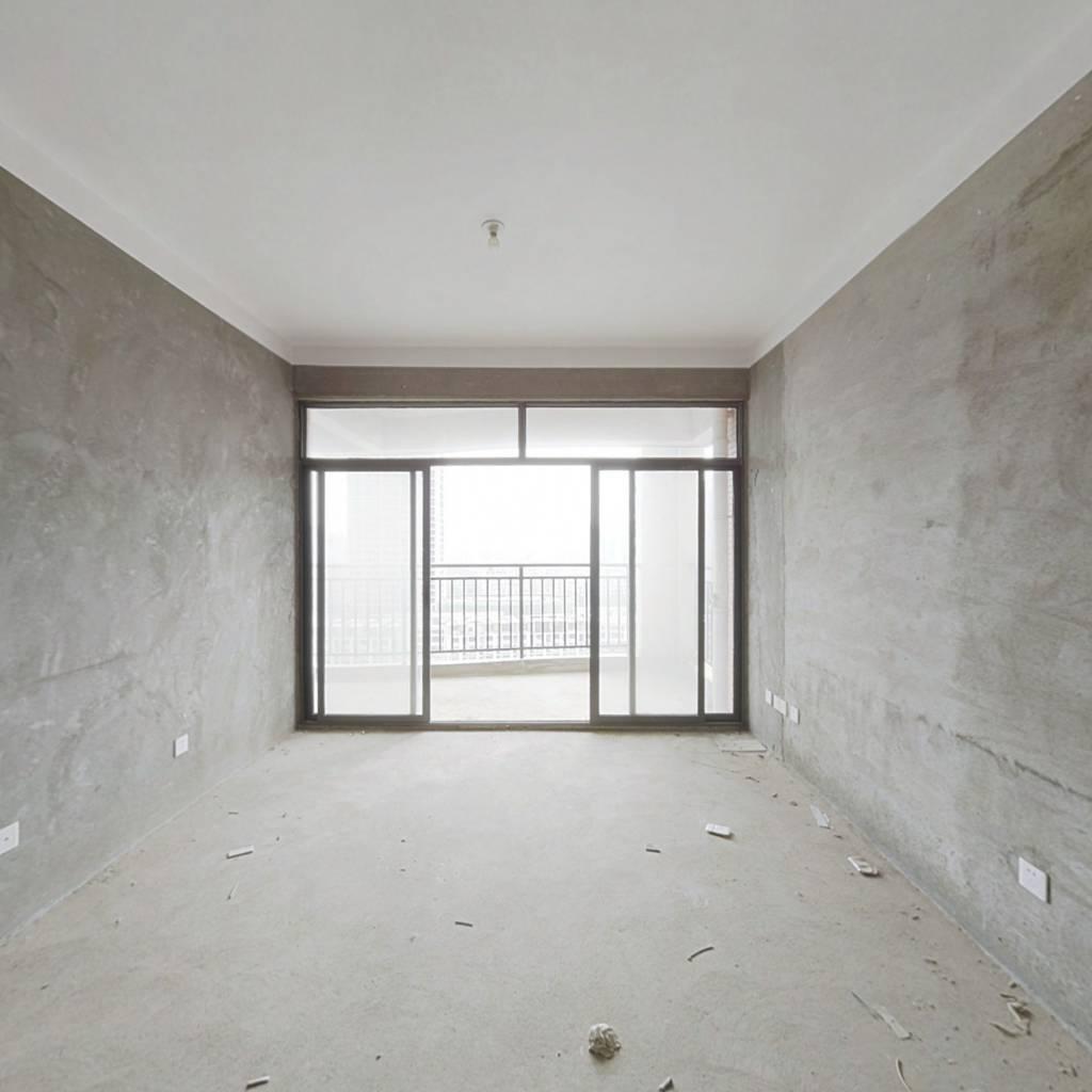 浩龙音乐界  七十七平毛坯三房出售