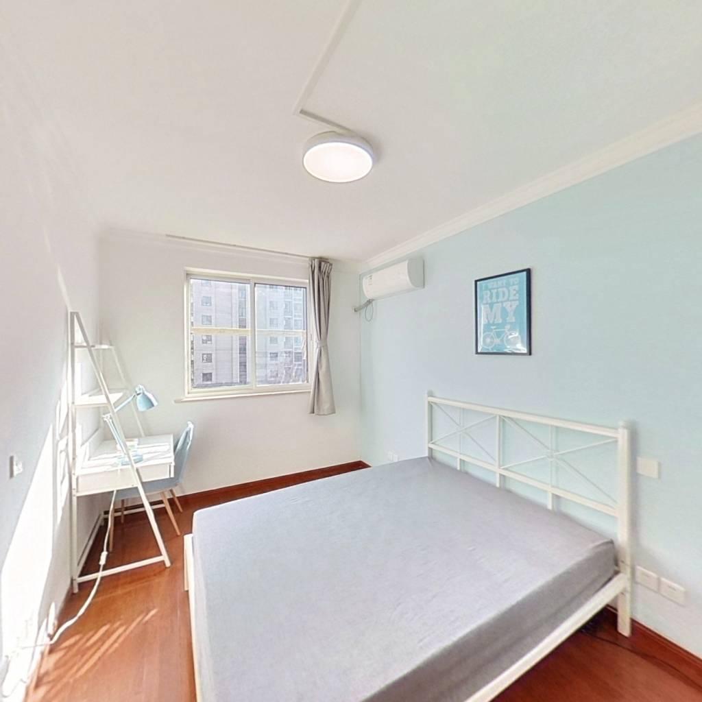 合租·民星苑 3室1厅 南卧室图