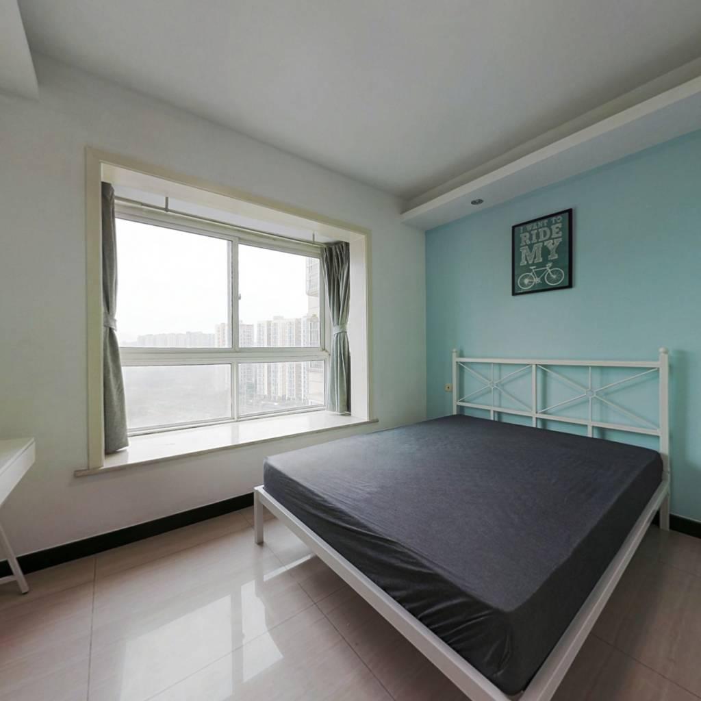 合租·沙河路苑 4室1厅 东卧室图