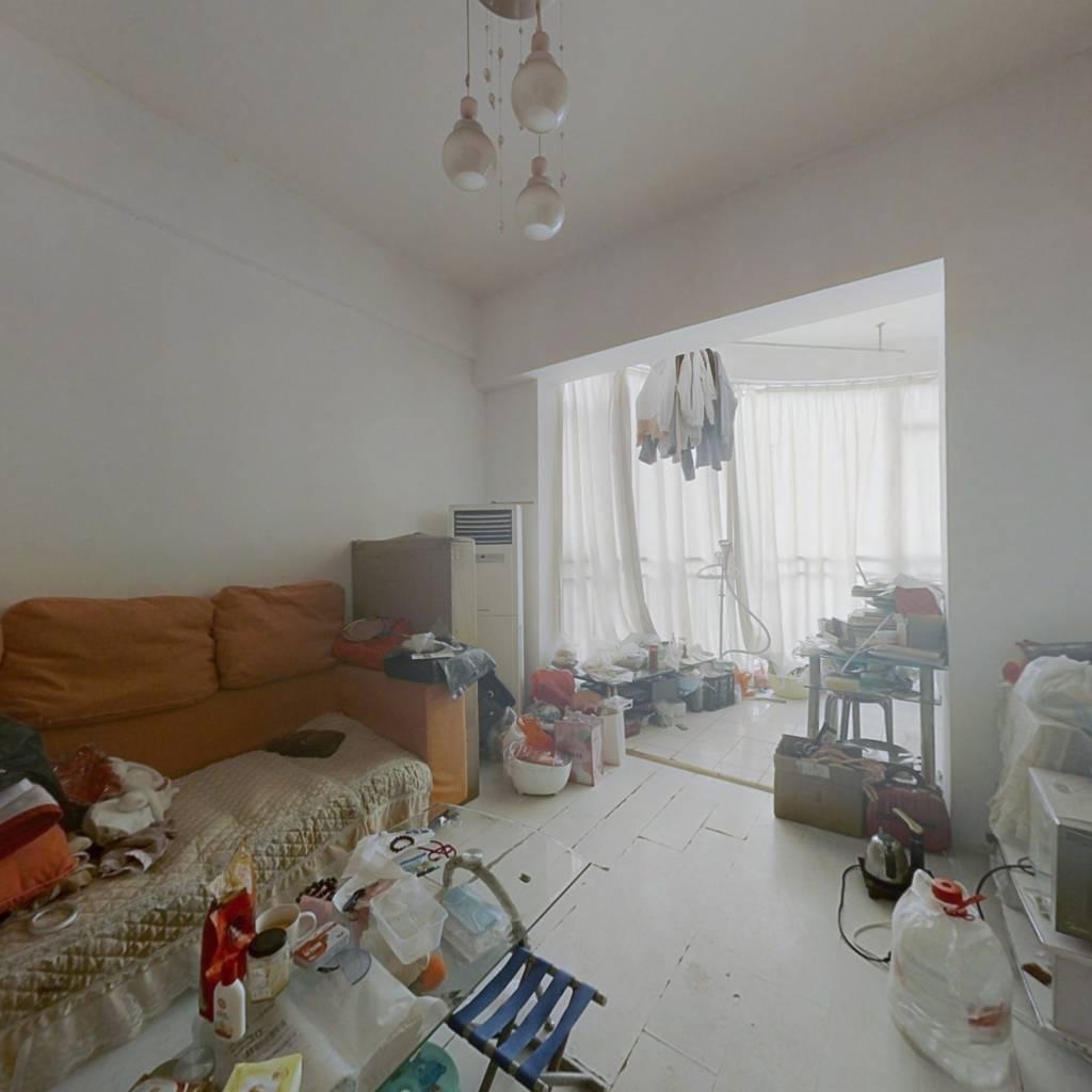 房子住家装修  满五年 可以拎包入住  临桂湖公园