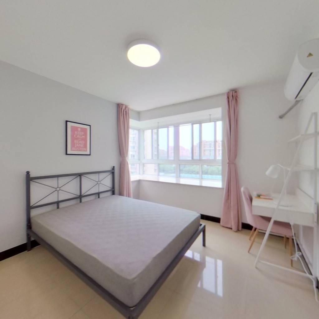 合租·爱博六村 4室1厅 南卧室图