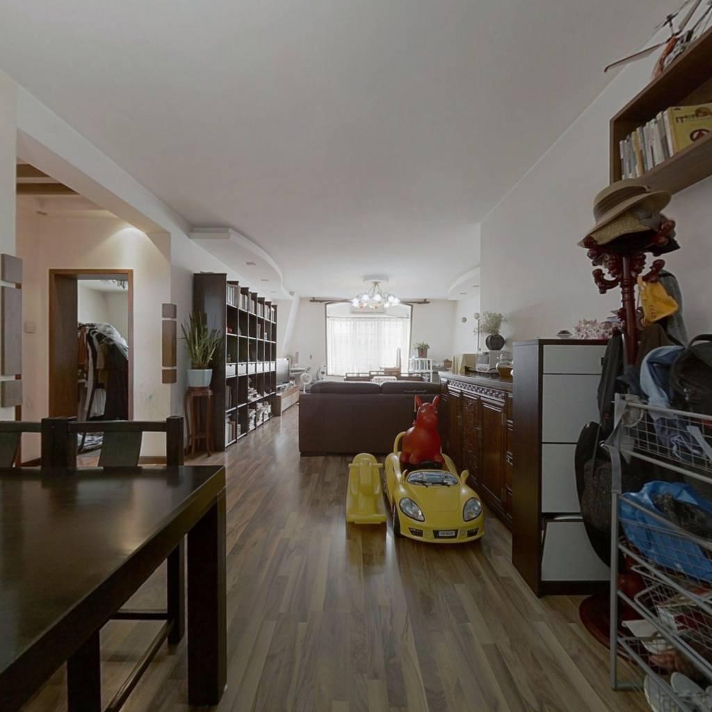 枫丹丽舍南北通透两居室,花园社区,停车免费