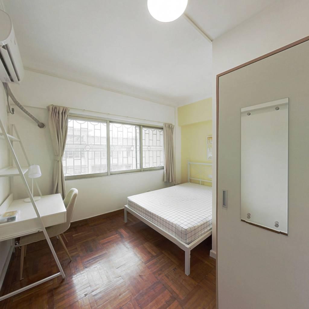 合租·富华花园 4室1厅 西卧室图
