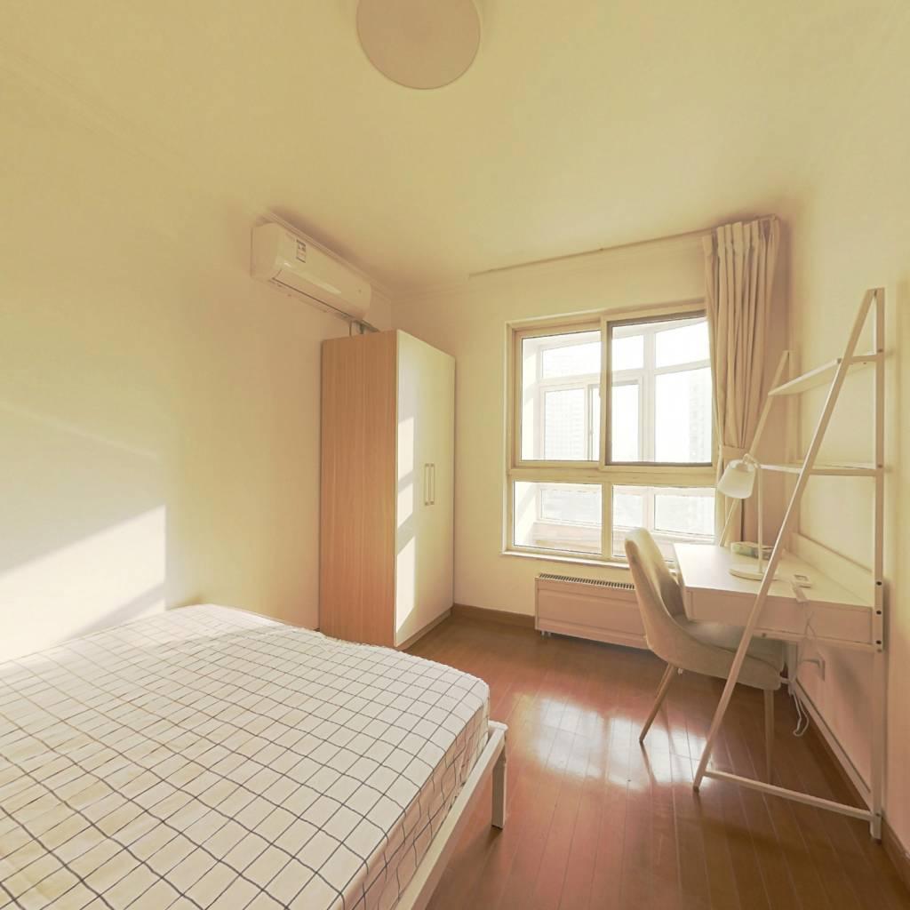 合租·莲馨嘉园 4室1厅 东南卧室图