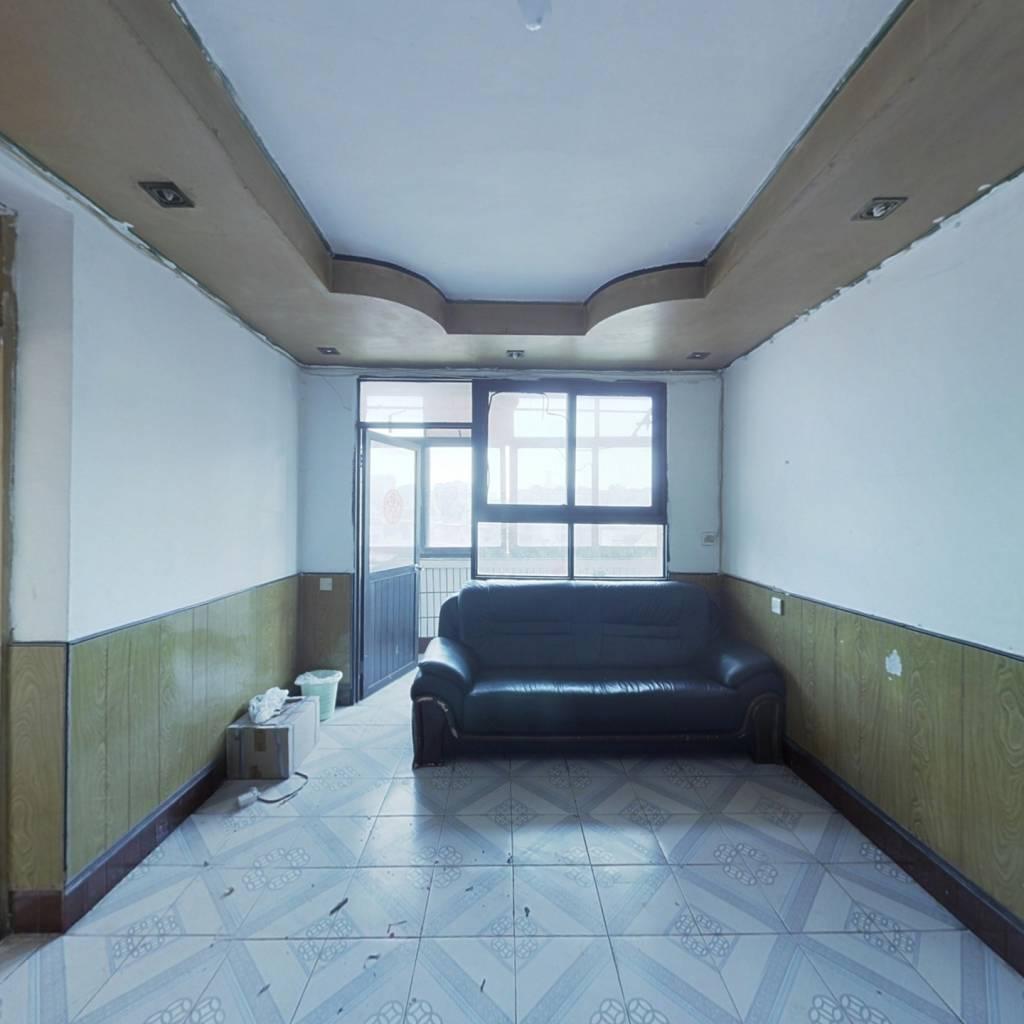 白云区步行街云康小区70平米简装3房,正常首付