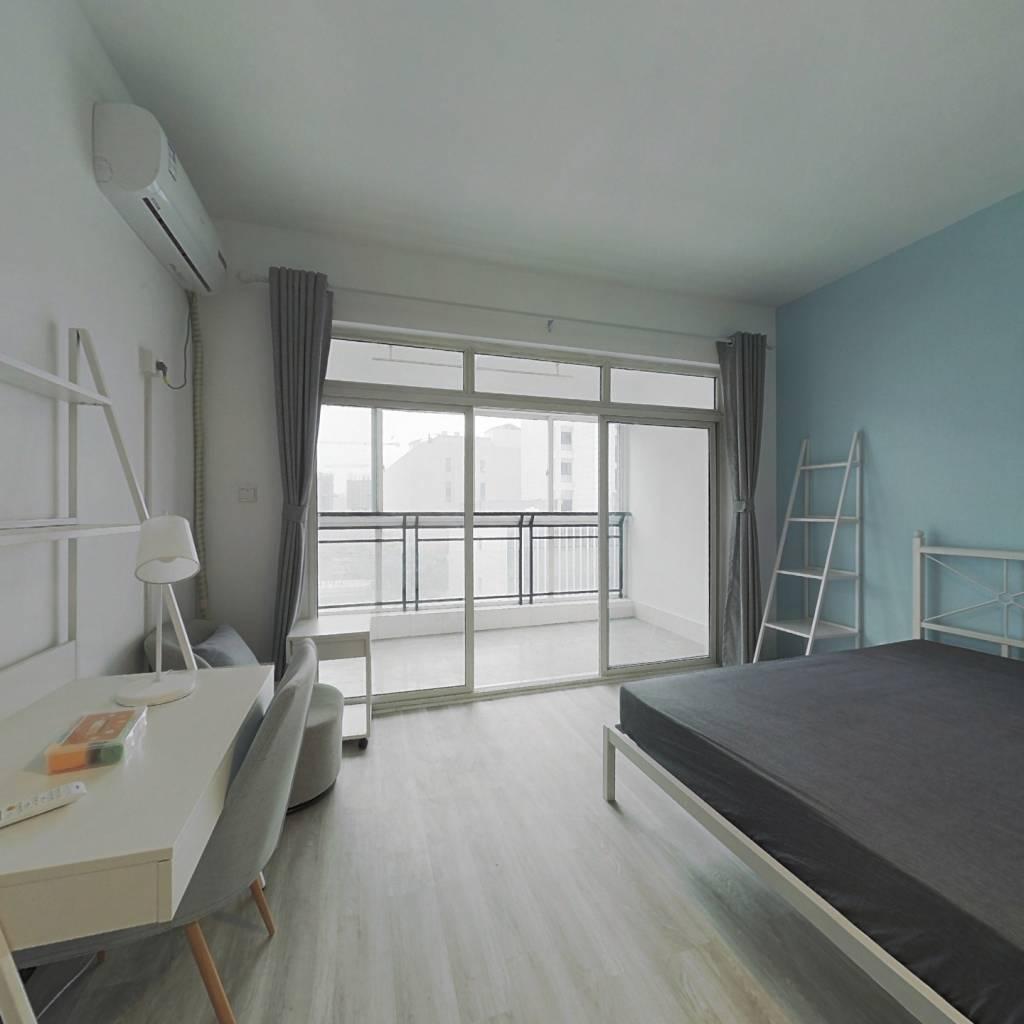 合租·格林君典 3室1厅 南卧室图